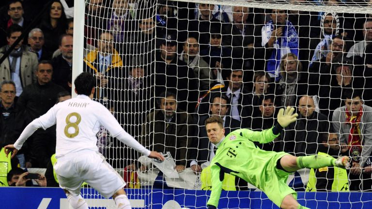 Neuer saves Kaka's penalty in the Champions League semis