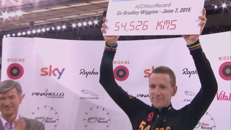Wiggins celebrates the world hour record in London