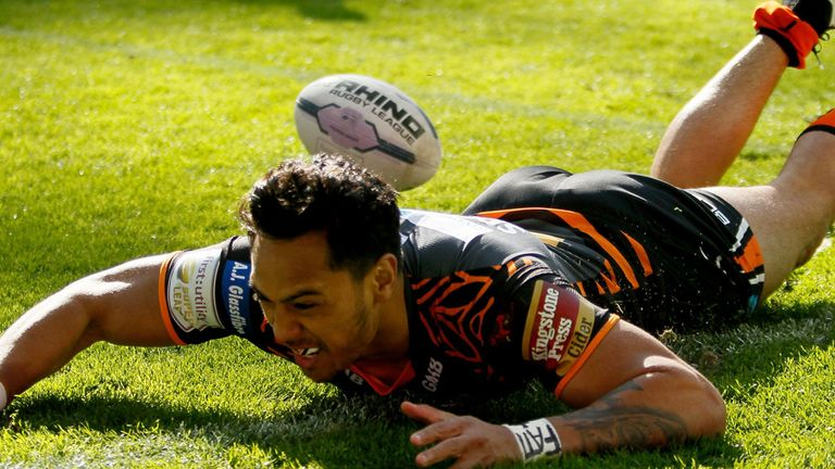 Denny Solomona is now committed to Castleford until the end of the 2018 season