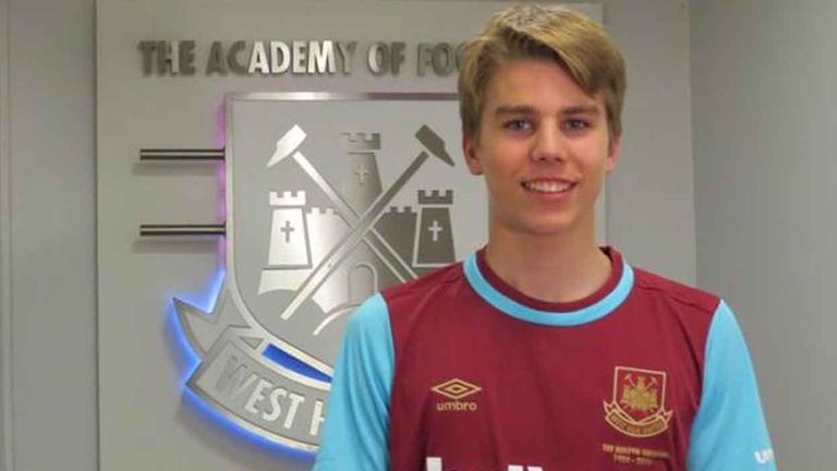 West Ham beat off competition from European clubs to sign former Manchester City trainee Martin Samuelsen