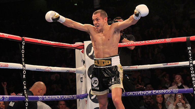 Scott Quigg demolished Kiko Martinez in the second round