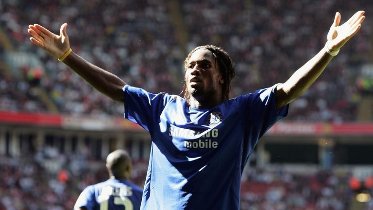 Didier Drogba inspired Chelsea to a 2-1 win over Arsenal in the 2005 Charity Shield