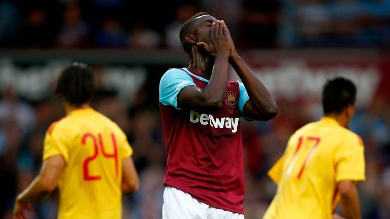 Modibo Maiga of West Ham United misses a good chance.