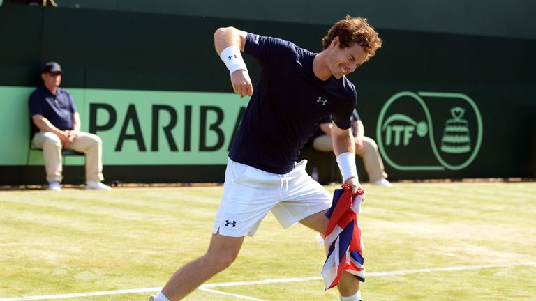 Murray celebrates his 4-6 7-6 (7-5) 6-3 6-0 over Gilles Simon at the Queen's Club