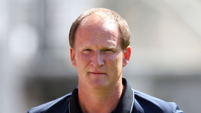 Preston North End manager Simon Grayson and his players are giving back to the local community