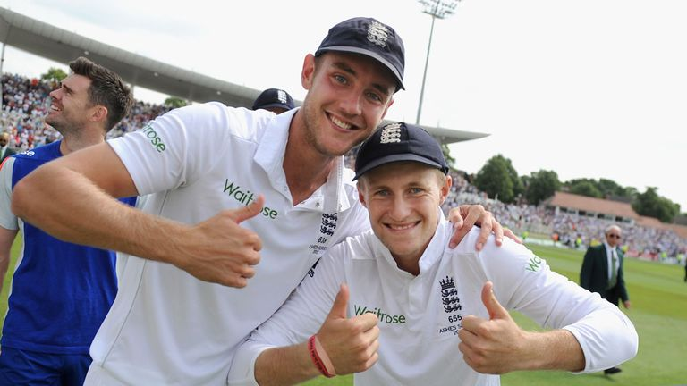 Stuart Broad and Joe Root celebrate England's Ashes victory