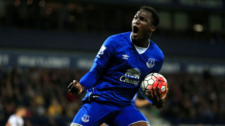 Lukaku's father wants his son to move to Man Utd or Bayern Munich