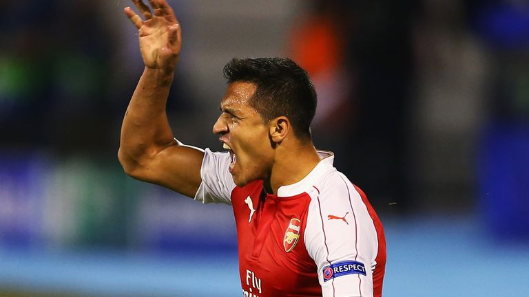 Arsenal's Alexis Sanchez cuts a frustrated figure