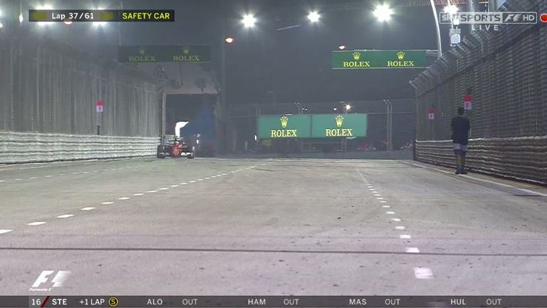 The moment the fan walked along the track in Singapore