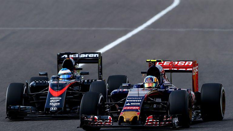 Strong debut season: Sainz battles with Fernando Alonso