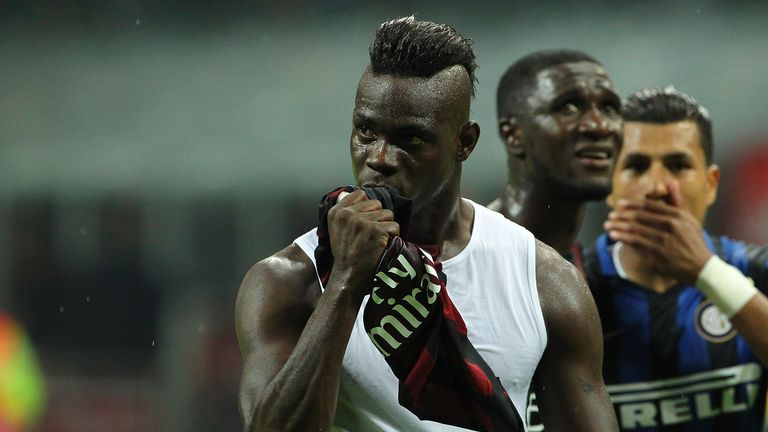 Balotelli kisses the Milan shirt at the final whistle