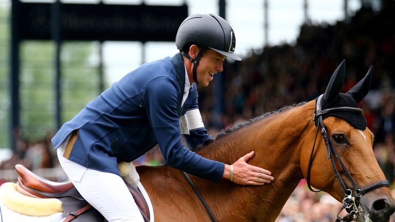 Scott Brash makes showjumping history with Hello Sanctos