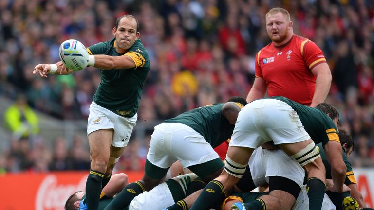 Fourie du Preez gets the ball away against Wales