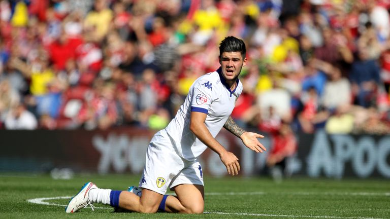 Alex Mowatt scored the winner for Leeds in the first of two consecutive victories against Cardiff and Huddersfield