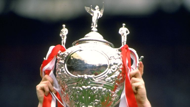 Shaun Edwards lifts the Challenge Cup for the first time in 1988