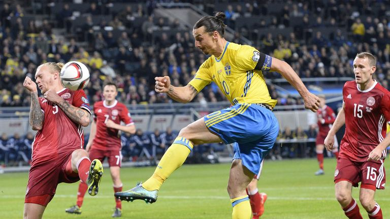 Simon Kjaer blocks a shot from Ibrahimovic