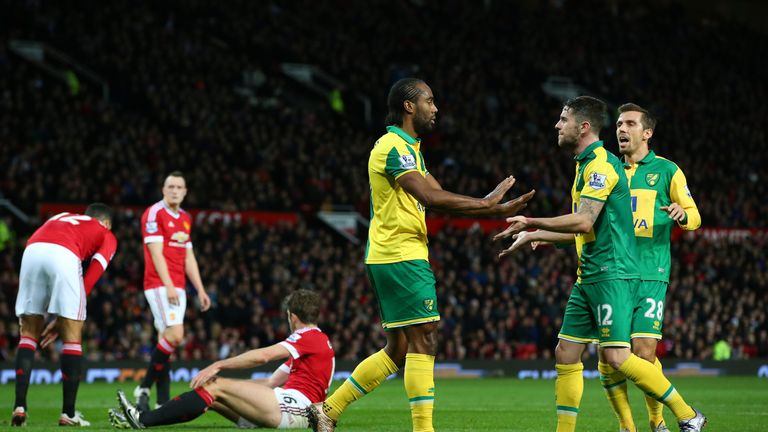 Norwich beat Manchester United at Old Trafford for the first time since 1989
