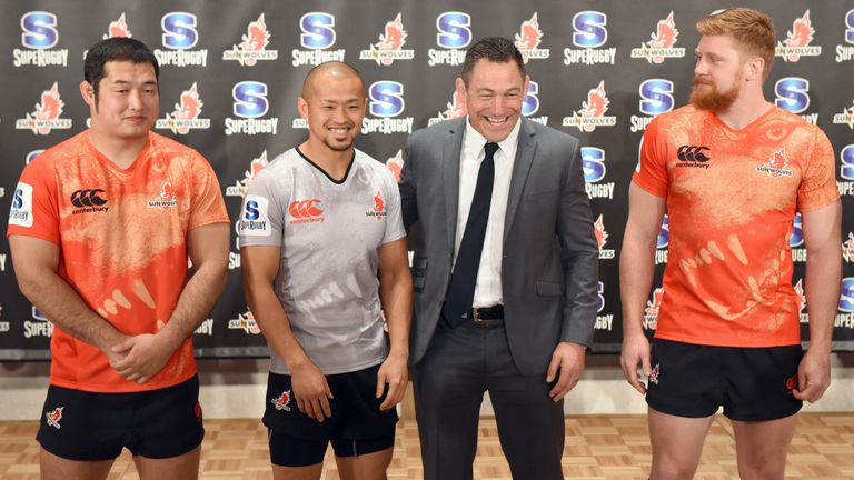 Mark Hammett (2nd R) coached the Sunwolves in their debut season