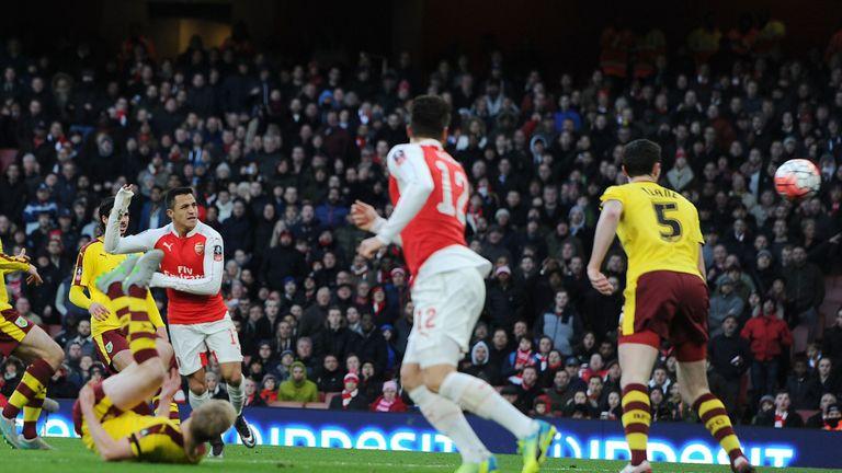 Sanchez scores the second for Arsenal