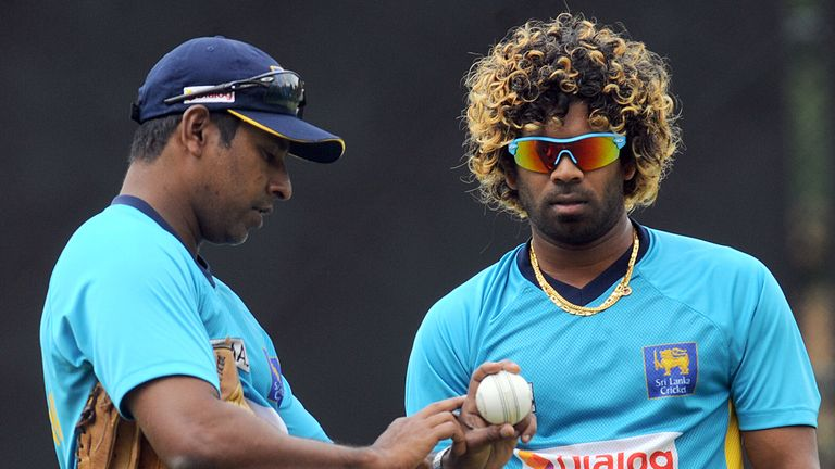 Chaminda Vaas (L) pictured with Lasith Malinga during his time as a Sri Lanka coach