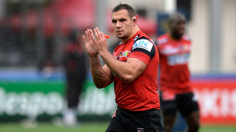 Oyonnaxs French hooker Jeremie Maurouard applauds the supporters