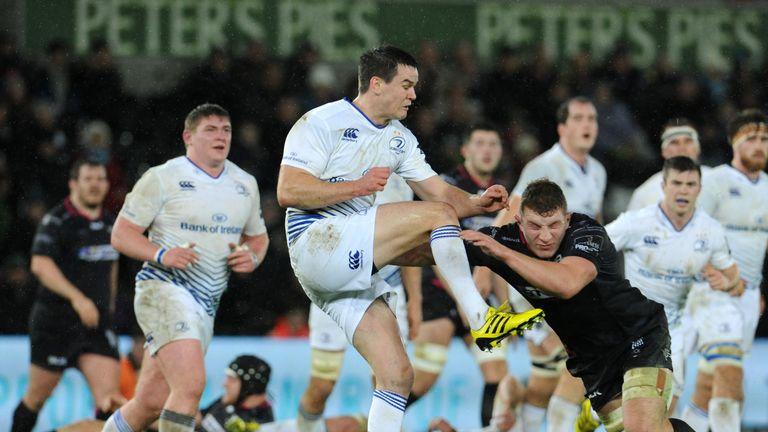 Sam Underhill puts Leinster fly-half Johnny Sexton under pressure