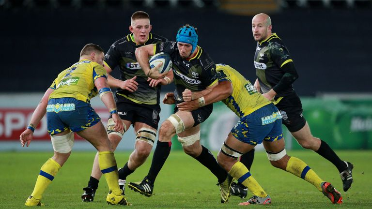 Justin Tipuric was outstanding in attack and defence against Clermont