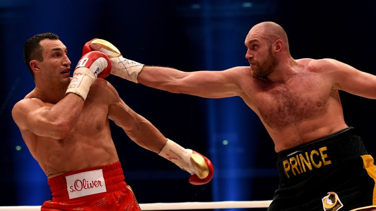 The long-reigning champion struggled to cope with Fury's size and movement