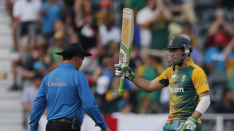 De Villiers celebrates reaching 50 - off just 21 balls