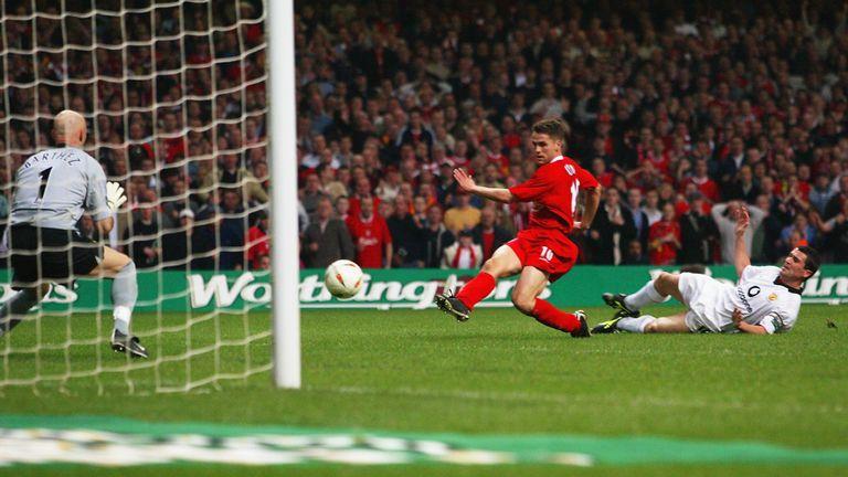 6429e769185 Michael Owen beats Fabien Barthez late on to seal Liverpool s 2003 League  Cup final victory