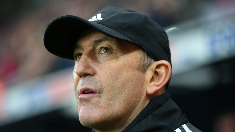 Tony Pulis must pay back a 'survival' bonus from his time as Crystal Palace boss