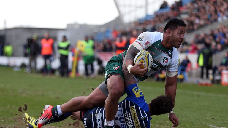Manu Tuilagi's powerful hand-off on Danny Cipriani helped put team-mate Tommy Bell over in the corner