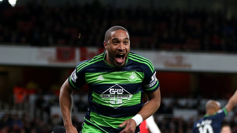 Ashley Williams is heading to Everton, according to Sky sources