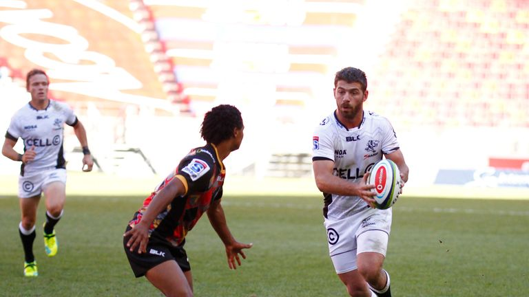 Le Roux helped the Sharks to the quarter-finals of Super Rugby