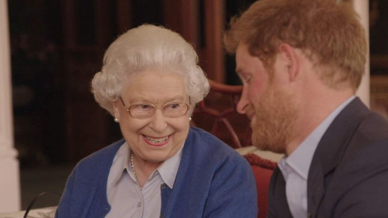 Prince Harry and The Queen to respond to the Obama's Invictus Twitter message