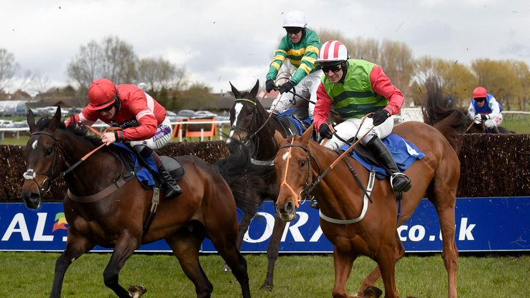 Definitily Red ruled out of Aintree run