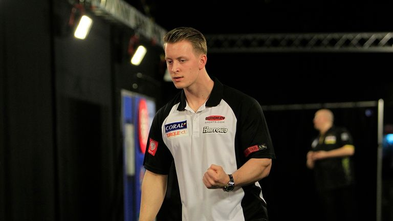 Josh Payne edged out James Wade in a thrilling final in Barnsley