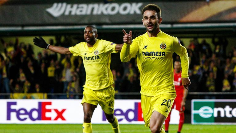 Adrian Lopez celebrates scoring Villarreal's late winner