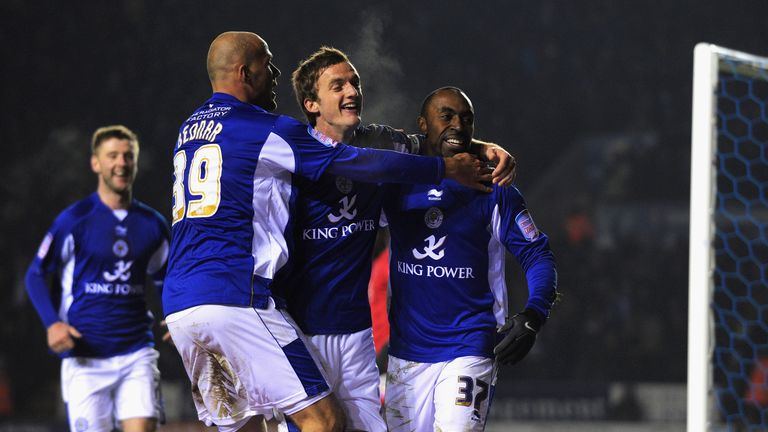 Andy King celebrates with Roman Bednar and Darius Vassell in 2010