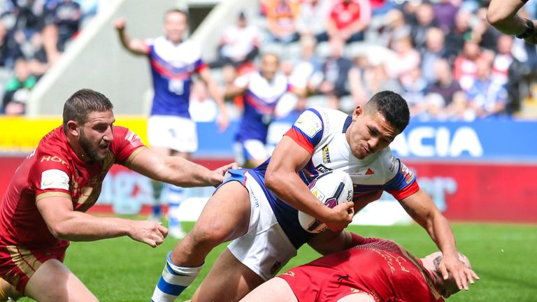 Mikey Sio put Wakefield in front after they had been 14-0 down
