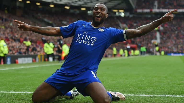 Wes Morgan remains Leicester captain