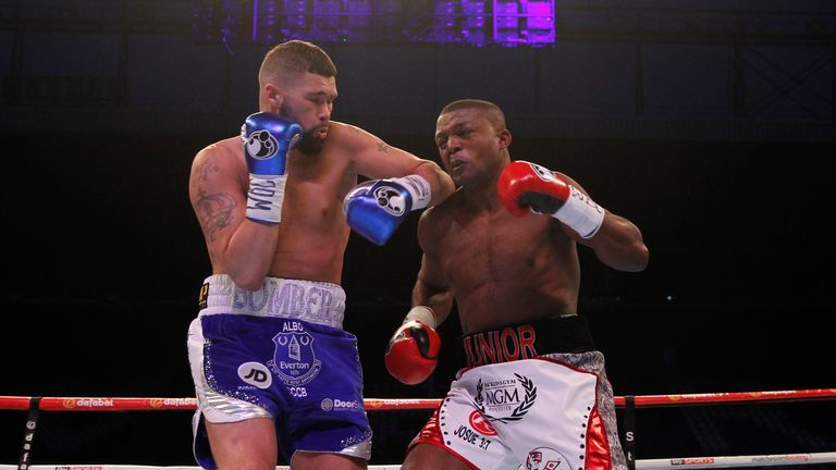 Bellew and Makabu trade at close quarters