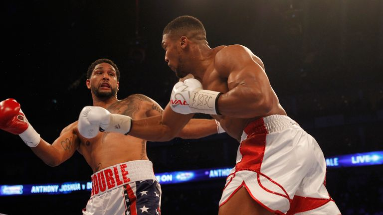 Dominic Breazeale (L) lost to Anthony Joshua in 2016