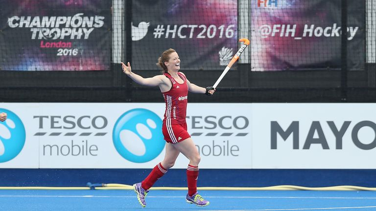 Helen Richardson-Walsh in action in the 2016 Champions Trophy