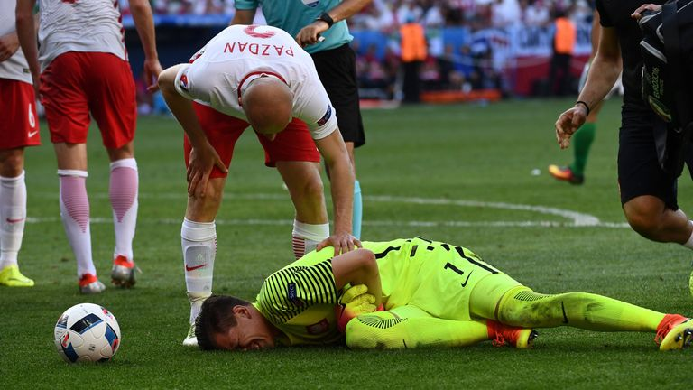 Szczesny suffered a thigh injury playing for Poland during Euro 2016
