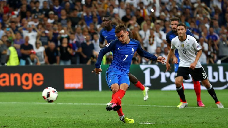 Griezmann converts the penalty that gave France the lead over Germany
