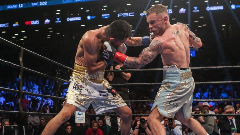 Leo Santa Cruz and Carl Frampton thrilled fans at  the Barclays Center in Brooklyn with a fight of the year contender