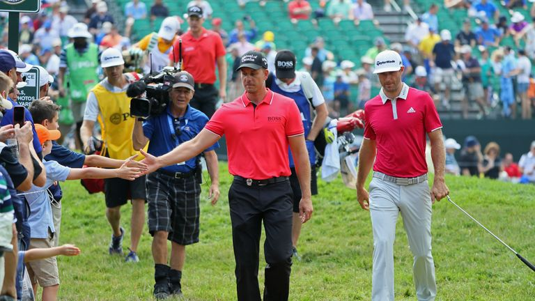 Stenson accepts the fans' congratulations midway through his second round
