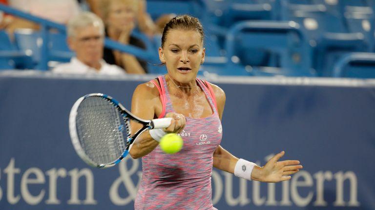Agnieszka Radwanska defeated Petra Kvitova in straight sets to advance to the Connecticut Open final