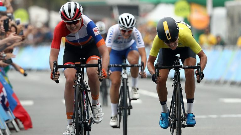 Van der Breggen beat Johansson by the length of a bike